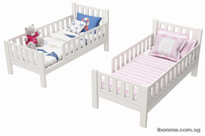 Todder bed with removable guardrail